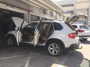 מכונית יוקרה לבנה קנייה לנסיעה יד 2