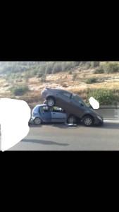 2 כלי רכב מספר דקות אחרי תאונה - הזמנת גרר לפירוק